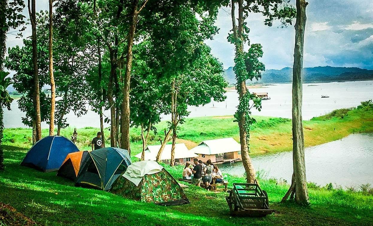 มาพักผ่อนชิลล์ๆ ตรง ป้อมปี่จุดชมวิวทิวทัศน์ ที่ตั้งอยู่ในเขตอุทยานแห่งชาติเขาแหลม จังหวัดกาญจนบุรี