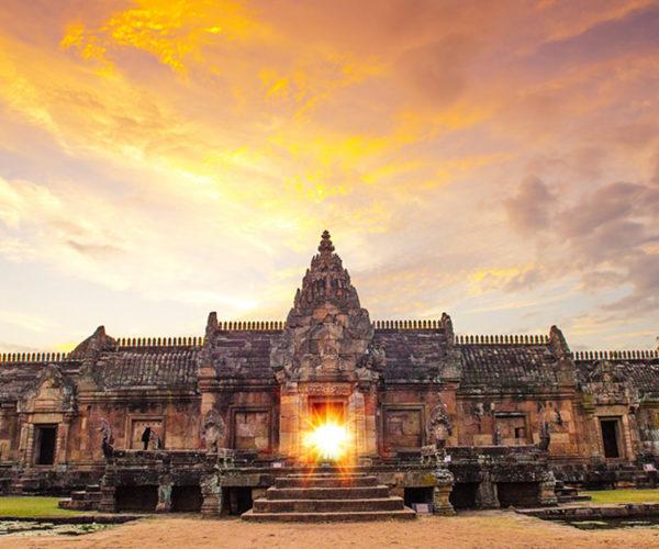 เที่ยว ปราสาทพนมรุ้ง ความสวยงามของศิลปวัฒนธรรมขอมจังหวัดบุรีรัมย์
