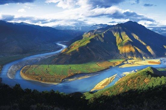 ล่องเรือเที่ยวแม่น้ำแยงซีเกียง-สายน้ำหลักอันเป็นเส้นโลหิตของชาวจีนแผ่นดินใหญ่