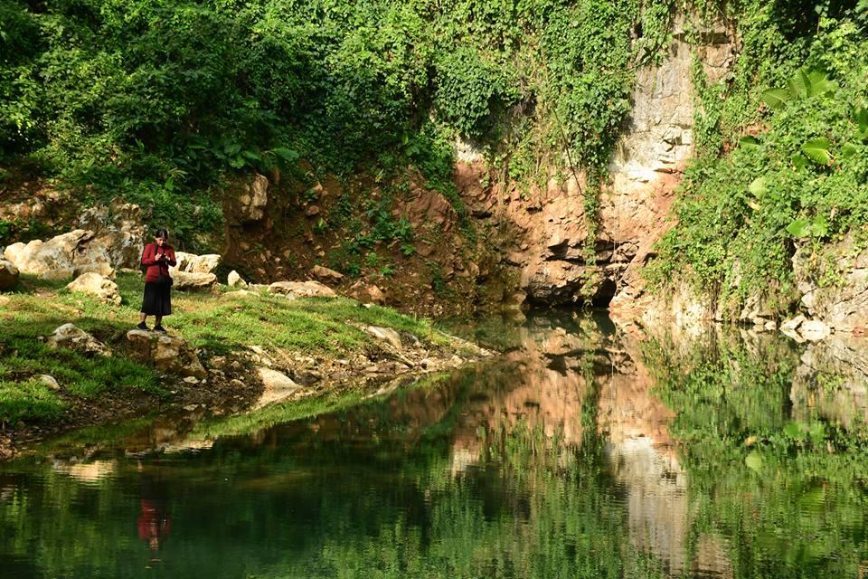 สระขุนน้ำมรกต สถานที่ความสวยงามที่ธรรมชาติ