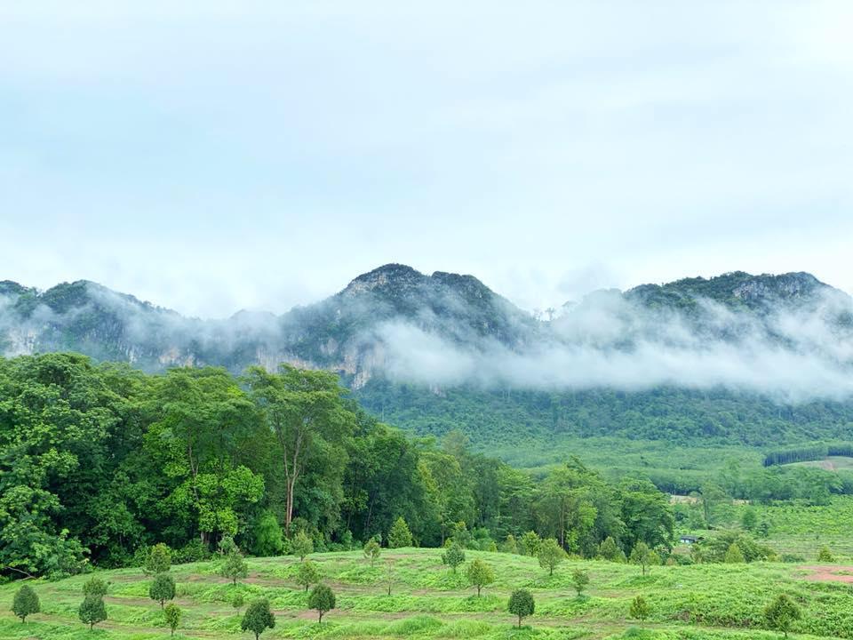 สวนเย็นเซ ระยอง-วิวภูเขา