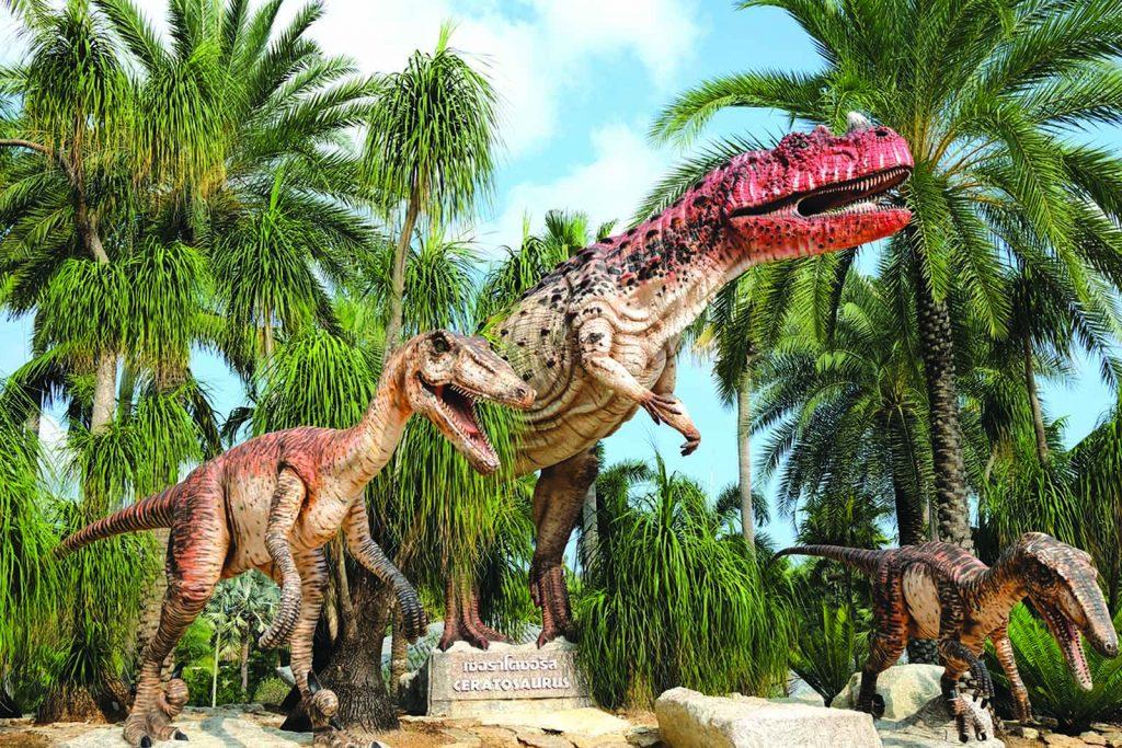 เที่ยวสวนนงนุช หุบเขาไดโนเสาร์