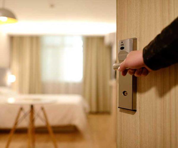 เรื่องน่ารู้และ มารยาทในการเข้าพักโรงแรม และที่พักต่างๆ รู้แล้วนำไปใช้จะได้เป็นผู้เข้าพักที่ยอดเยี่ยม!